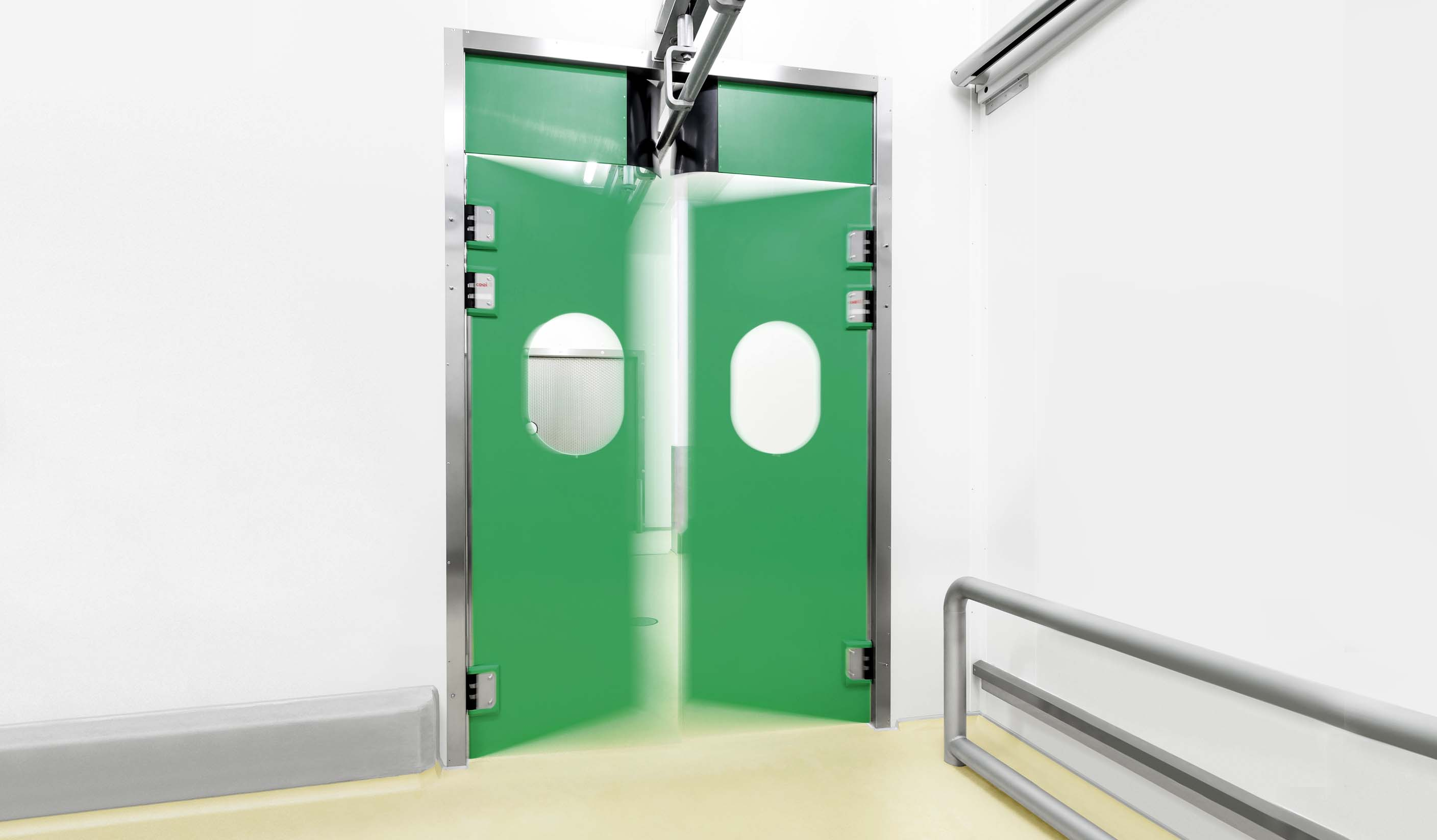 ZP5 Double-leaf PE swing door with meat rail passage